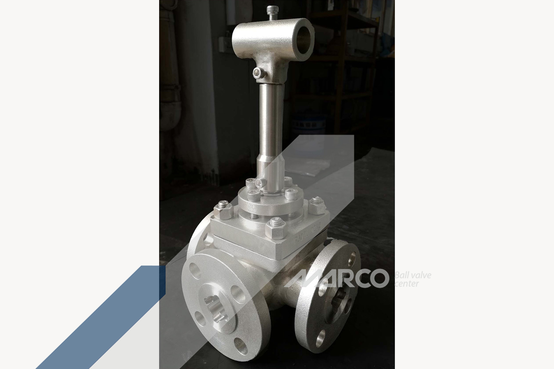 <b>THREE-WAY BALL VALVE</b>